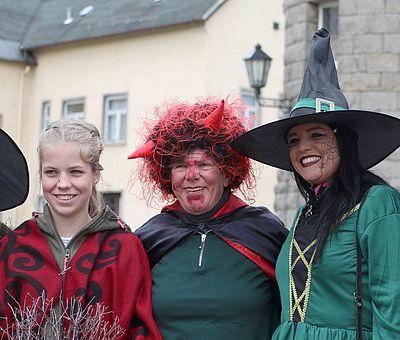 Verkleide Personen zur Walpurgis in Schierke